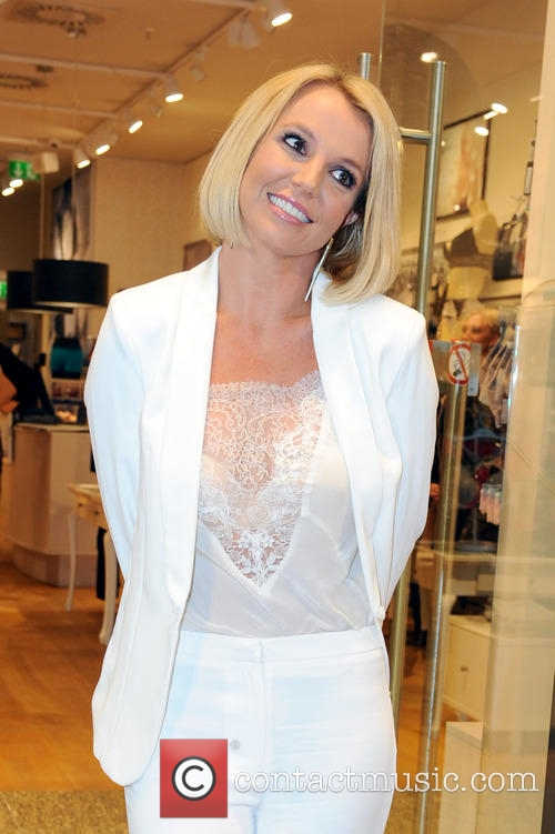 Britney Spears Is A Picture Of Sophistication With Her Neat New