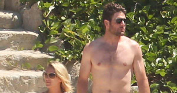 Carrie Underwood and Mike Fisher Hit the Beach in Mexico Ahead
