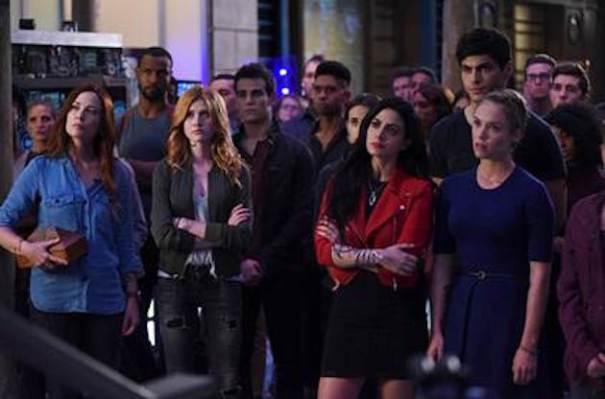 'Shadowhunters' Reveals Season 2 Debut Date & 'Vampire