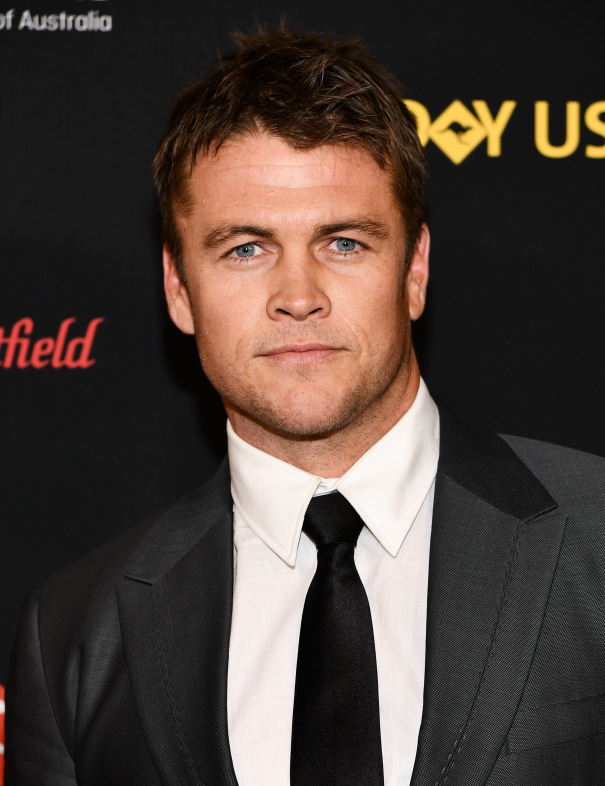 Luke Hemsworth Signs With UTA