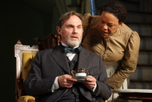 Broadway Review: 'The Little Foxes' With Laura Linney,