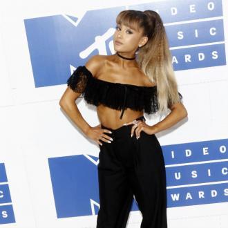 Ariana Grande surprises injured fans